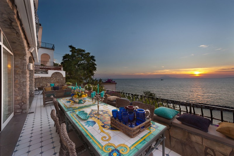 Gallery images Villa Sorrento View